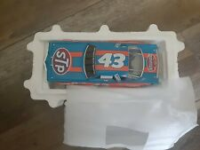 Preowned Richard Petty #43 Franklin mint 1/24 diecast cars