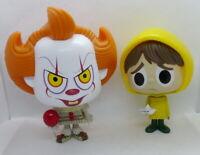 Duo de figurines Pennywise et Georgie de It par Stephen King gamme Vynl