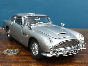 Danbury/Franklin mint 1:24 james bond 007 1964 Aston Martin db5 Classic model 18