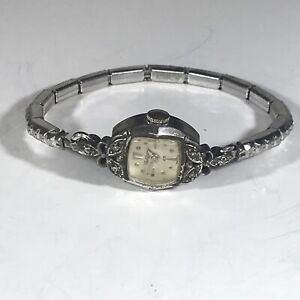 Vintage Waltham Swiss Made 25 Jewels Women's 15mm Winding Watch-Keeps Time