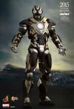 IRON MAN 3 - Mark XXIV (24) Tank 1/6th Scale Action Figure MMS303 (Hot Toys)