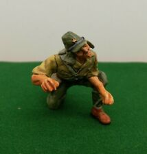 KING AND COUNTRY WW2 JAPANESE SOLDIER KNEELING 2085