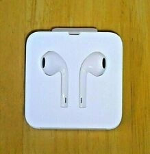 APPLE - iPHONE WHITE EARPODS + LIGHTNING CONNECTOR ~ NEW ~ NO CASE