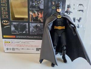 Bandai S.H.Figuarts Batman (1989) Action Figure DC