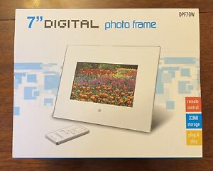7 Inch Digital Photo Frame Inc. Remote Control - Excellent Condition in Box