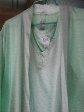 Beautiful Robe and Gown X large in mint green hardly worn