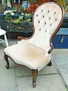 Victorian Bedroom Chair / Ladies Button Back Chair / Spoon Back