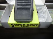 George Dennis Delay Reverb Pedale Stereo