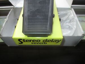 GEORGE DENNIS DELAY REVERB STEREO PEDAL