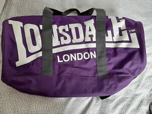Lonsdale zip sports bag with strap