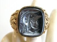 VINTAGE ART DECO GOLD PLATE MANS MENS RING W/ HEMATITE PRESSED GLASS WARRIOR GEM