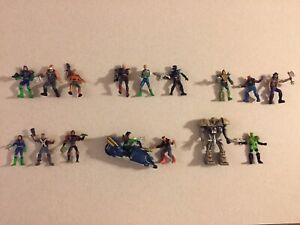 Mattel Mega Heroes Judge Dredd 1995 loose lot of 16 Figures
