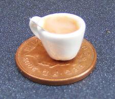 1:12 scala Tè IN CERAMICA BIANCA TAZZE & Cucchiaio DOLLS HOUSE miniatura Accessorio