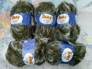 Thick furry yarn ideal for toys cushions etc khaki with light wisps