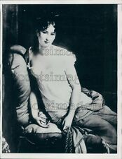 1940 Artist Drawing Juliette Recamier of France Press Photo