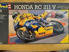 Revell Germany Honda RC 211 V 1/9 Scale model # 07936