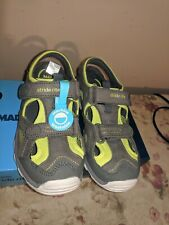 stride rite made 2 play size 13 boys