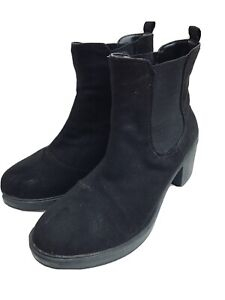 LEFTIES ( Zara)BLACK SOFT SUEDE CHELSEA STYLE ANKLE BOOTS 4/37