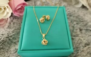 100% Genuine 18k Yellow Gold Stud Earrings Necklace and Pendant Set Love Knot