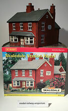 Hornby SKALEDALE - R8528 - STATION HOTEL - USED BOXED RARE - HARD TO FIND