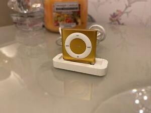 Apple iPod shuffle 4th Generation (Late 2010) Orange (2GB)