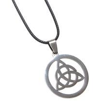 Collar, Colgante Símbolo Celtic trinidad Triquetra, Acero Pulido, Cordón 45 cm