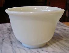 1950s--PYREX MIXING BOWL W/SPOUT--HAMILTON BEACH-WHITE-YELLOW MILK GLASS--NMT
