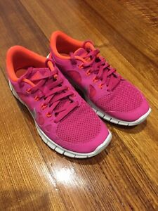 Nike Free 5.0 Running Shoes Runners Sneakers Size 4Y