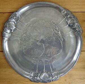 A circa 1900 KAYZERZINN Pewter Art Nouveau Platter with Water Liliesr