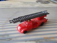 """camion de pompiers """"grande échelle"""" EKO 1/100 PLASTIQUE"""