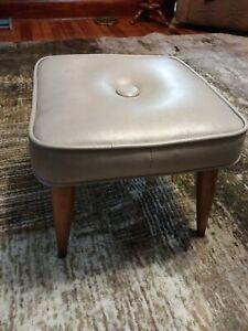 Mid-Century Modern Footstool Ottoman Tapered Legs Taupe Vinyl Atomic Vintage