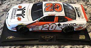 Revell Collection Tony Stewart #20 Pontiac Home Depot 1:18 SIGNED