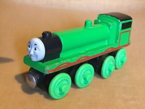 Vintage Thomas The Tank Engine & Friends LONG GREEN  WOODEN MAGNETIC Engine