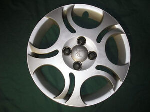 "Hubcap Wheelcover 15"" Saturn Ion 03 04 05  Priority Mail! 09595882 #386"