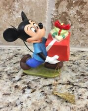 Walt Disney Classics Collection Holyday 1995 Mickey With Gift Figure/Ornament