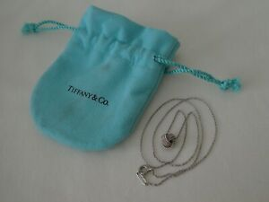 """Original TIFFANY & Co Sterling Silver Twist Knot Pendant Necklace 18"""" Long"""