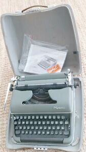 Vintage manual OLYMPIA SM3 Typewriter  Made in Germany