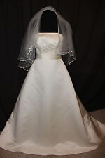 NEW! Ivory Ashley Jordan bridal gown with Veil, Size 10, Retail $800
