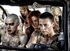 PHOTO MAD MAX FURY ROAD - CHARLIZE THERON (P3) FORMAT 20X27 CM