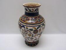 Italienische Majolika-Keramiken Vasen