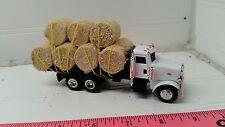 1/64 ERTL custom farm toy Peterbilt straight truck w/ 11 round corn stalk bales