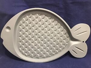 Whisker City Fish Shaped Placemat For Cats NWT Gray 19 x 11 7/8 Food Tray Feed