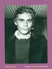 """PHOTO DE PRESSE CINÉMA : GIAN MARIA VOLONTÈ ACTEUR """"SACCO & VANZETTI"""" 1977 -M269"""