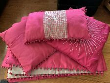 SINGLE PINK  BED THROW & 3 CUSHIONS