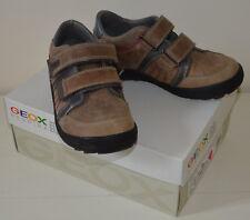 Chaussures baskets cuir basses velcro GEOX garçon P 31 TBE