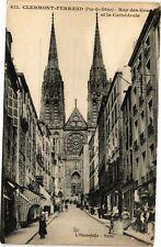 CPA  Clermont - Ferrand- (Puy de Dome) -Rue des Gras et la Cathédrale (221791)
