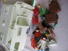 alter Wohnwagen von Playmobil mit Zubehör in ordentlichem Zustand