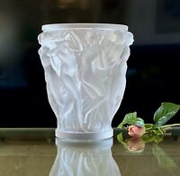 Lalique French Crystal Bacchantes Nudes Vase Excellent Condition Gorgeous