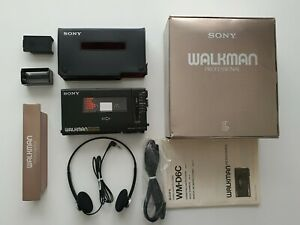 SONY WALKMAN PERSONAL CASSETTE PLAYER / RECORDER WM-D6C PROFESSIONAL