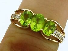 R245 - Exquisite 9ct Solid Gold NATURAL Peridot & DIAMOND Trilogy Ring size O